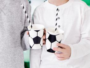 jalkapallo pahvimuki
