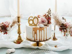 Kakkukynttilä 60 kultaglitter