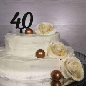 40 kakkukoristetikku, musta