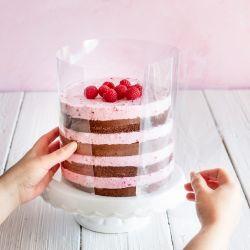 20cm korkea reunakalvo kakun reunalla